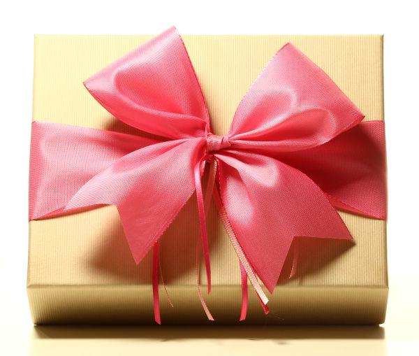 Geschenk mit Schleife Pink